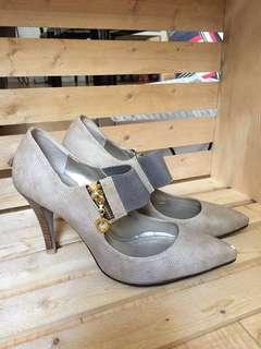 Size 7 - tan heels
