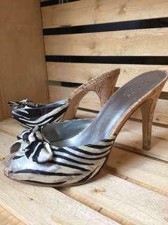 Size 7 - Guess zebra print heels