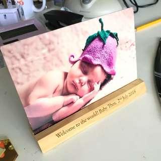 🚚 Baby Shower Gift - Aluminium Print with custom wood base
