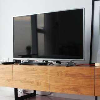 "Panasonic Ultra HD 4K 40"" TV"