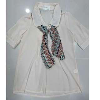 圖騰領巾反扣袖雪紡襯衫-粉杏