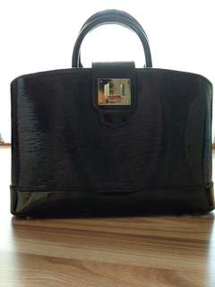 Preloved Louis Vuitton Mirabeau Electric Epi Leather