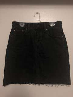 Selling Levi's Everyday Skirt Mixed T