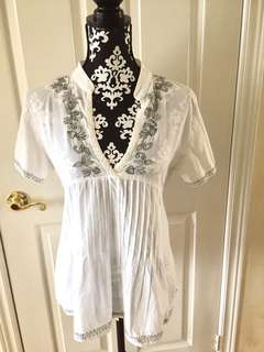 Sacred Threads Top Women's 100% Cotton M Black on White Embroidery Short Sleeve