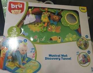 Bru Musical Mat & Discovery Tunnel