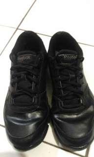 Sepatu rebiok full black