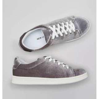 New Look Velvet Sneakers Grey Sepatu Bludru