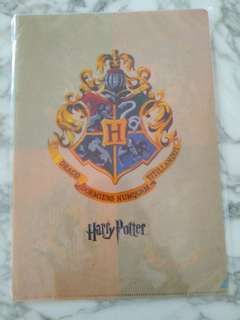 Harry Potter File with Hogwarts Crests and Houses