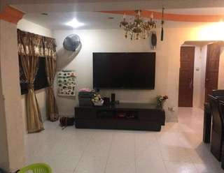 Nicely renovated 4 room flat sale at near woodlands MRT
