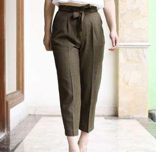 trousers pants / peg trousers