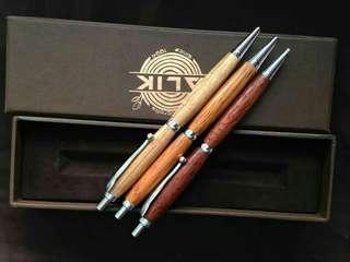 Clik pen terbuat dr kayu merbau dan sonoklin