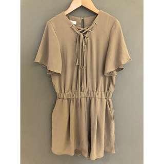🚚 【二手 9成新】韓版 Rainbow 綁帶 性感 美背 設計款 涼感 鬆緊顯瘦 寬袖 褲裙洋裝 度假褲裙