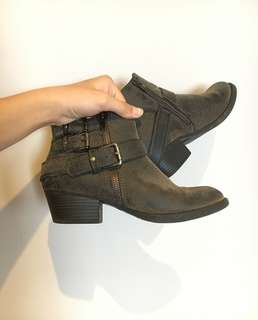 cute boots :))