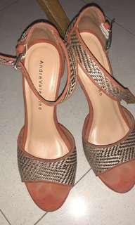 sepatu heels andre valentino