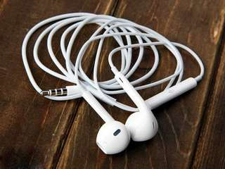 Original Apple Earphone