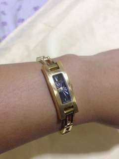 Authentic Gucci watch gold from japan