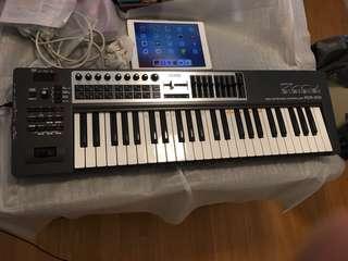 Roland PCR-500 Midi Keybaord