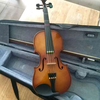 3/4 Violin + Casing + bow