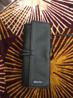 ELIANTO BRUSH CASE OR BAG