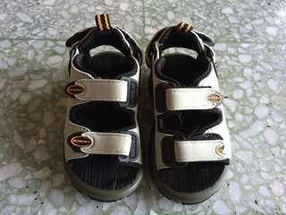 Old Navy Boys' Sandals| Size 2T