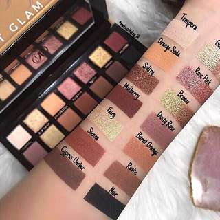 🚚 Anastasia Beverly Hills Soft Glam Eyeshadow Palette
