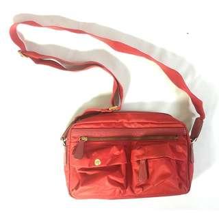 🚚 多側袋紅色女用斜肩包