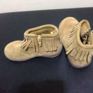 Girl shoes age 1 to 2 old