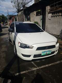 Mitsubishi Lancer Glx 2010 Model MT