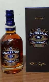 芝華仕18年威士忌750ml連盒一支。