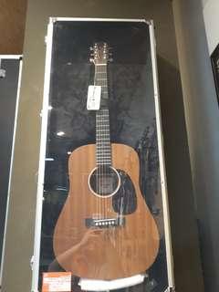 Martin Akustik Guitar Ini Bisa Kredit Cukup Bayar 200 Ribu Aja