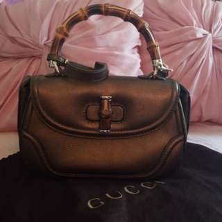 AUTHENTIC GUCCI w/ Bamboo Handle on top Satchel