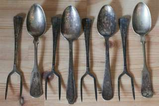 4 pairs of vintage 2 prong fork and spoon