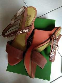 Riccino Sepatu Sandal Wedges