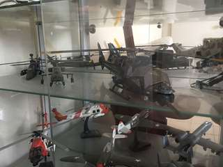 Model figures and planes