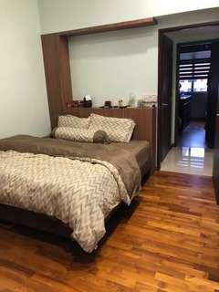 464 Upper Serangoon Common Room x 2
