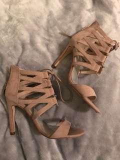 Pulp heels 7
