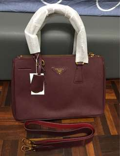 Markdown price - handbag free pouch