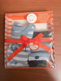 🚚 【美國 BabyLegs】新生兒有機棉禮盒組 包屁衣 襪套