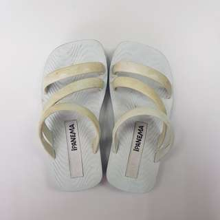 Ipanema Slippers s6 EUR 21 Sandals Beach wear summer auth authentic orig not havaianas
