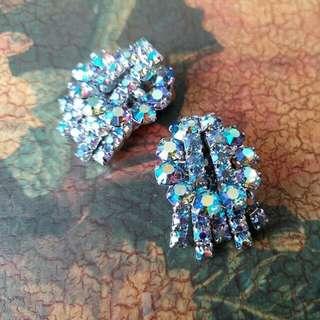 精美懷舊幻彩閃石夾耳環,收藏超多年,購於溫哥華,另可配別針$189。