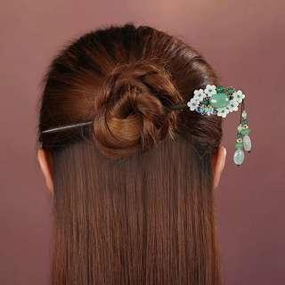 🚚 預購「古典美人花朵東菱玉木質髮簪簪子」