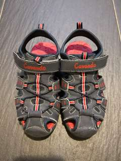 PRELOVED CAVANDO Dark Blue & Red Kid's Sports Sandals / Size 29 - in good condition with tiny flaw