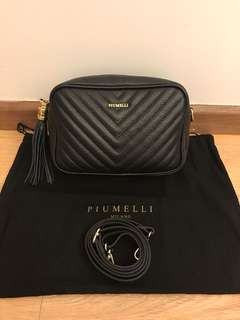 💯 authentic piumelli sling bag for let go!!