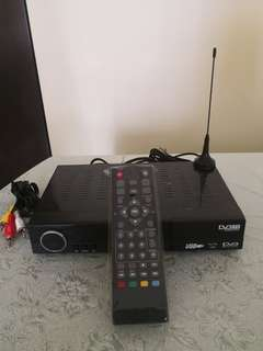 DVB digital TV receiver with Antenna