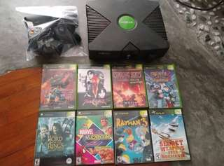 Xbox complete set with 8 games