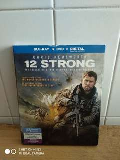 12 STRONG - Blu Ray & DVD - US Import (original) - A Great Action & War Movie