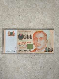 0AV012345 SINGAPORE $100 PORTRAIT THARMAN GOLDEN LADDER S/N UNC