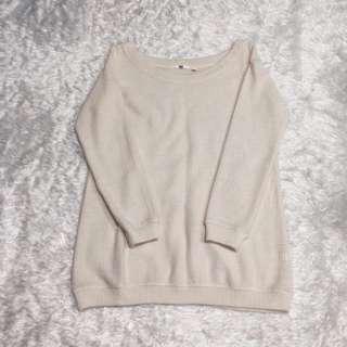 UNIQLO cream sweater