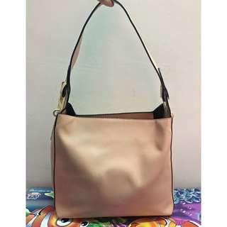 Voir Shoulder Handbag