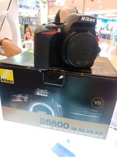 Kredit kamera DSLR Nikon D5600 murah bisa kredit tana kartu kredit. promo free 1x angsuran